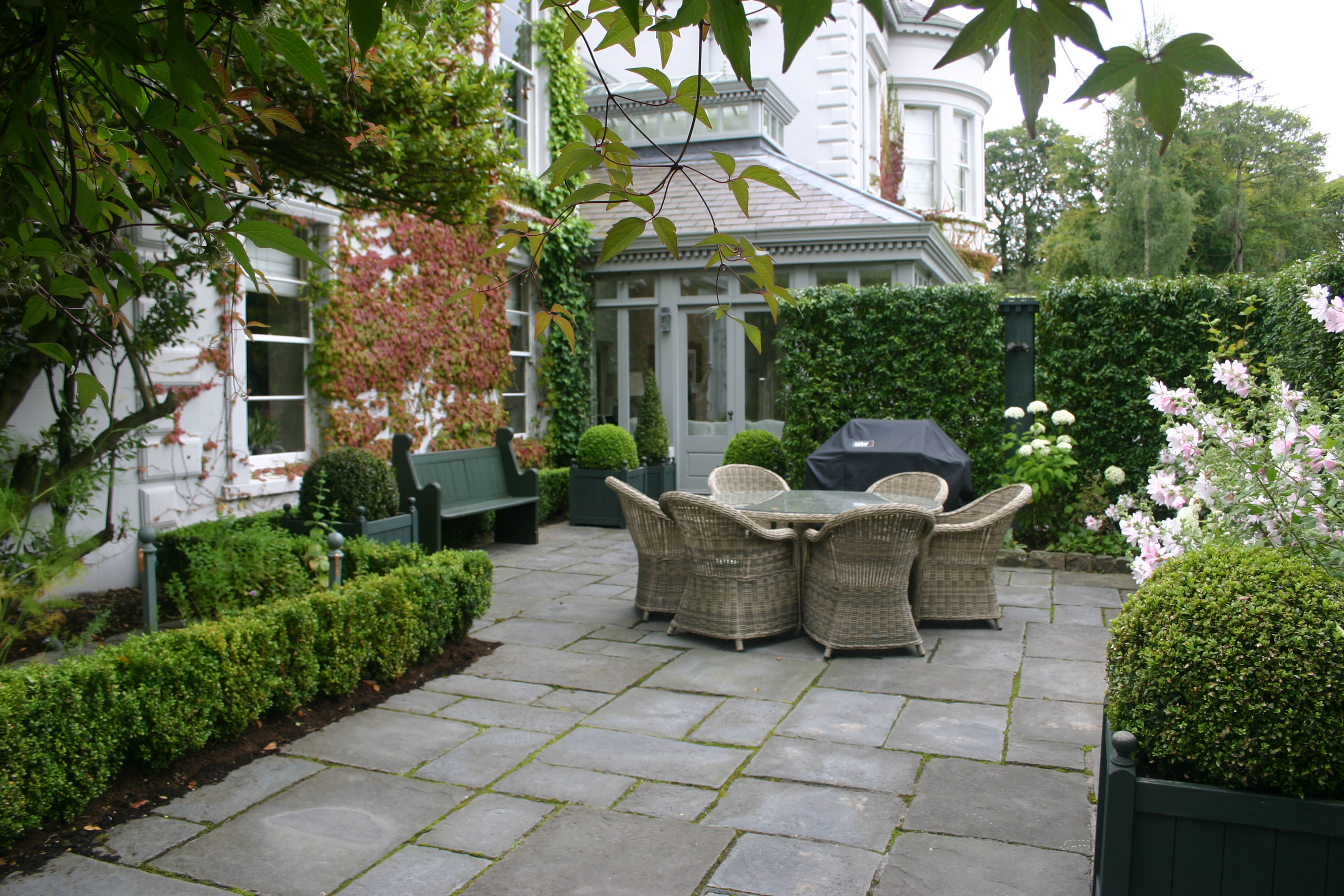 Heritage garden home design ideas and pictures for Hamptons home and garden design penarth